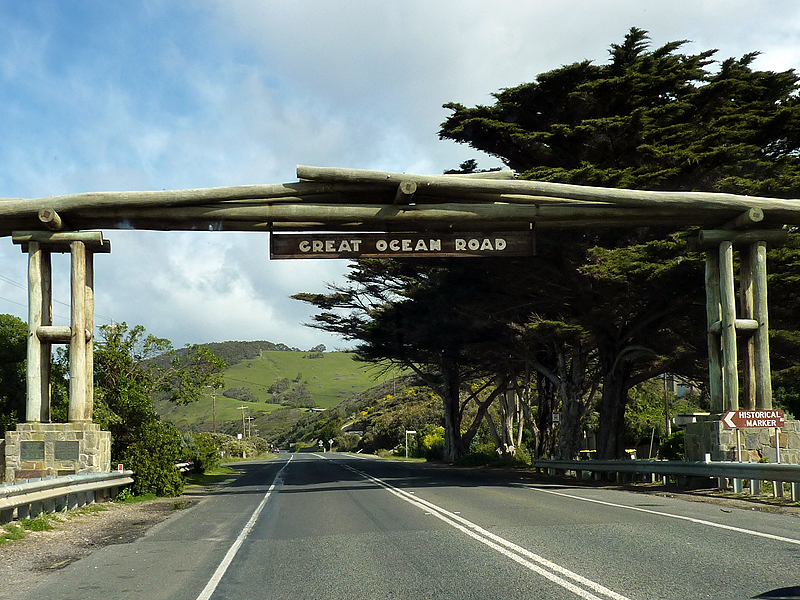greatoceanroad_entrance1.png