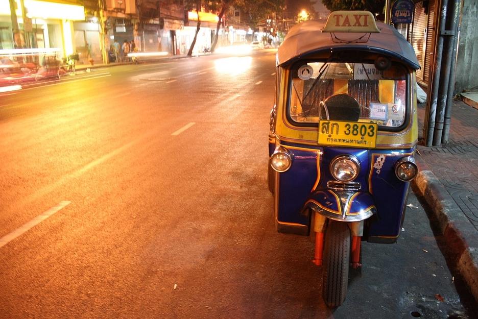 tuktuktour.jpg