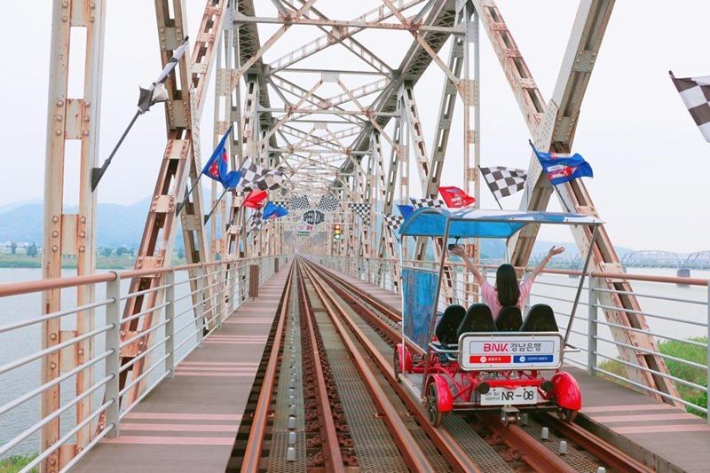 gimhae_railbpark02.jpg
