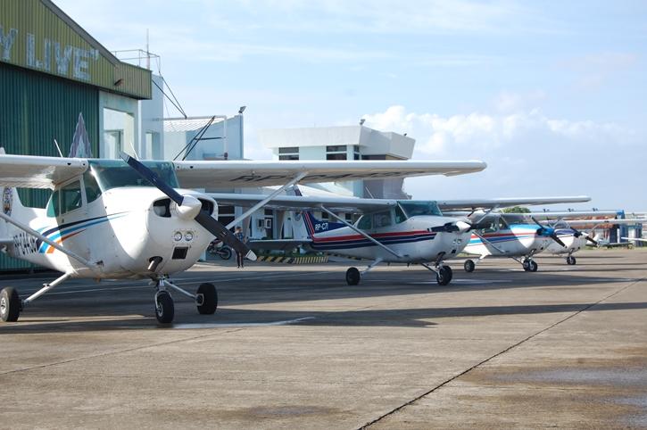 aircraft003.jpg