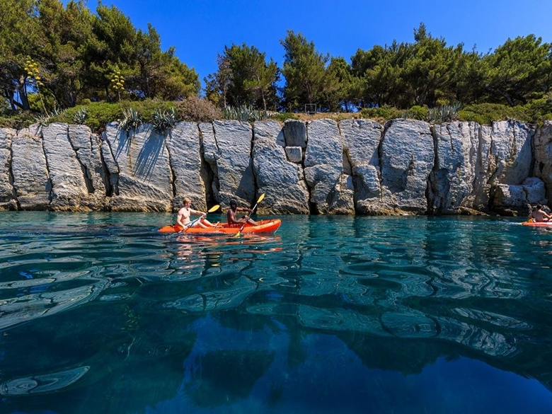 kayaking004.jpg