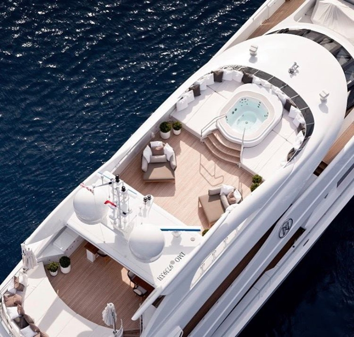 luxuryyacht5.jpg