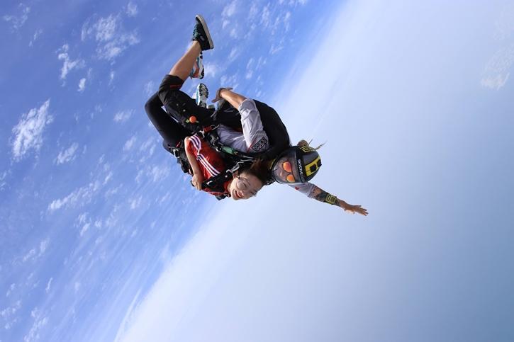skydiving001.jpg