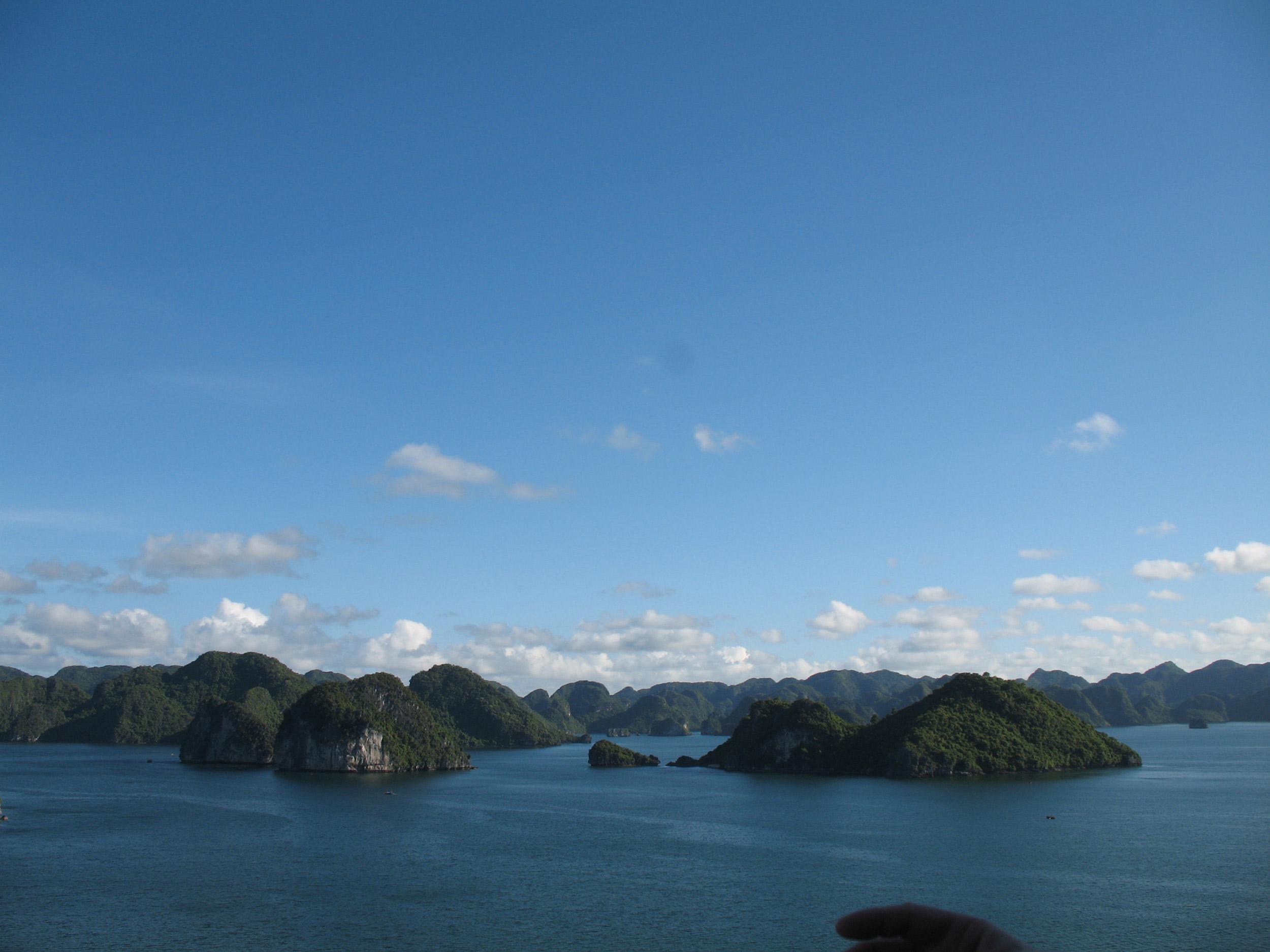 halong-bay-scenery-high.jpg