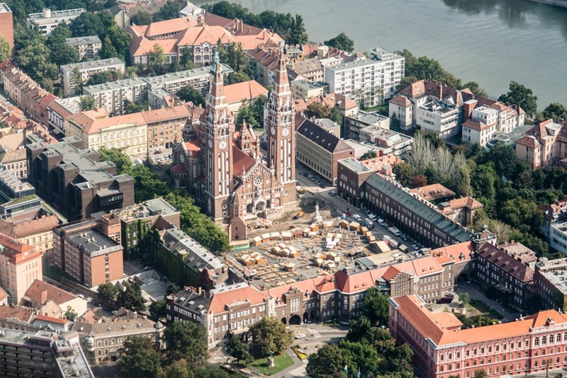 cathedral02.jpg