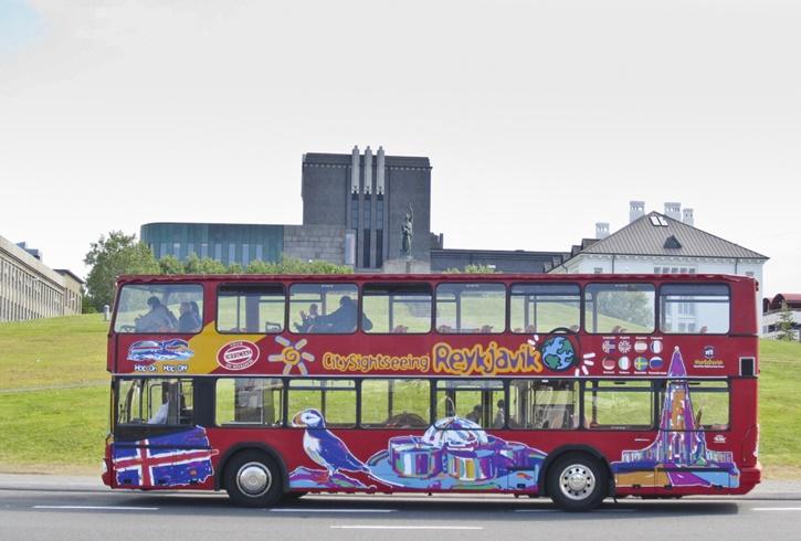 490reykjavik_sightseeing_bus_1.jpg