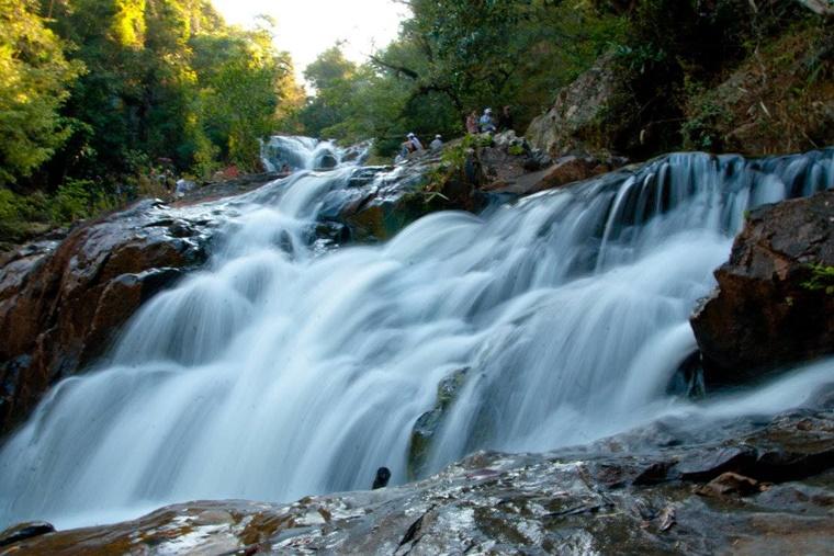 dalat_waterfall001.jpg