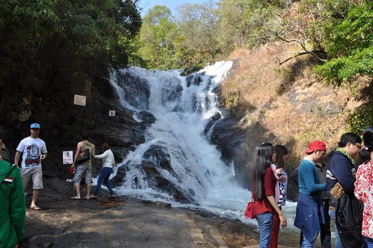 dalat_waterfall005.jpg