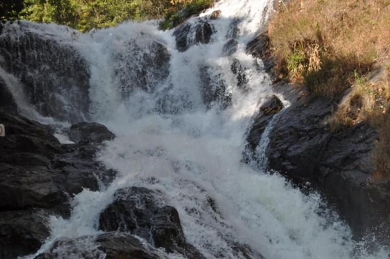 dalat_waterfall006.jpg