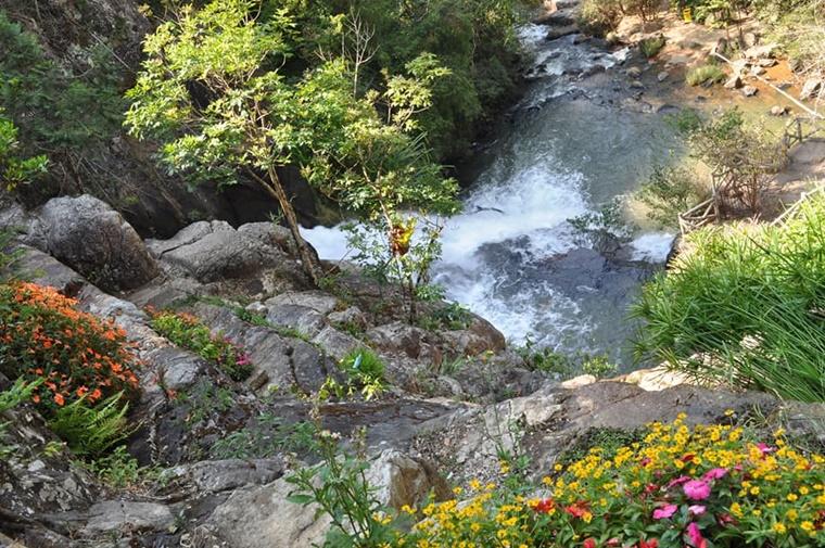 dalat_waterfall007.jpg
