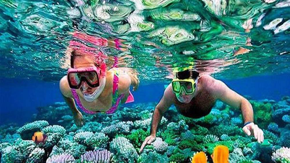 nha-trang-snorkeling-mini-beach-boat-tour_c9d9ec3a3eafc44636e09342b0a17e4a46523678.jpg