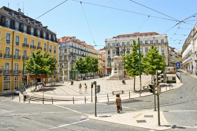 plazadecamoes02.jpg