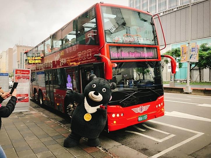 sightseeingbus13.jpg