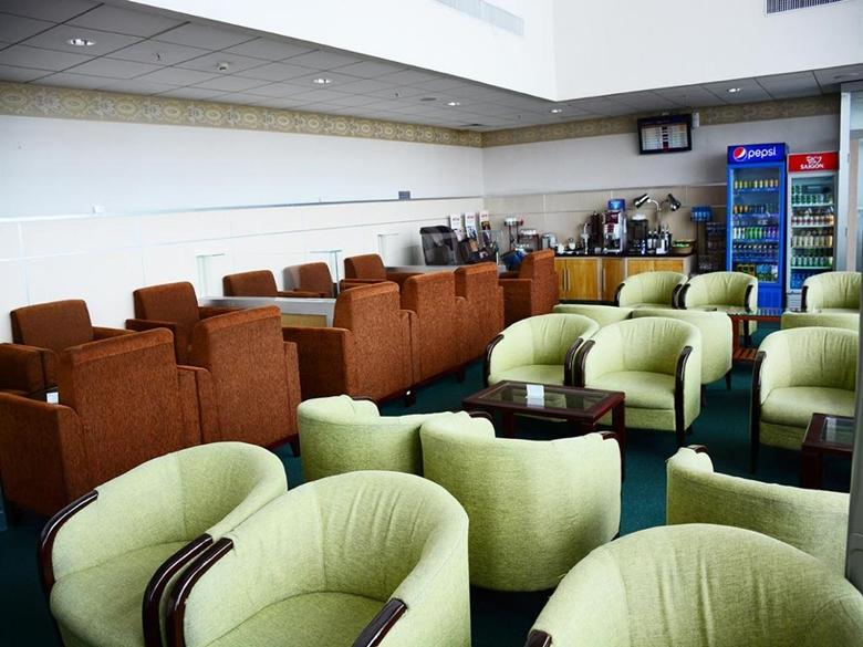 lounge02003.jpg